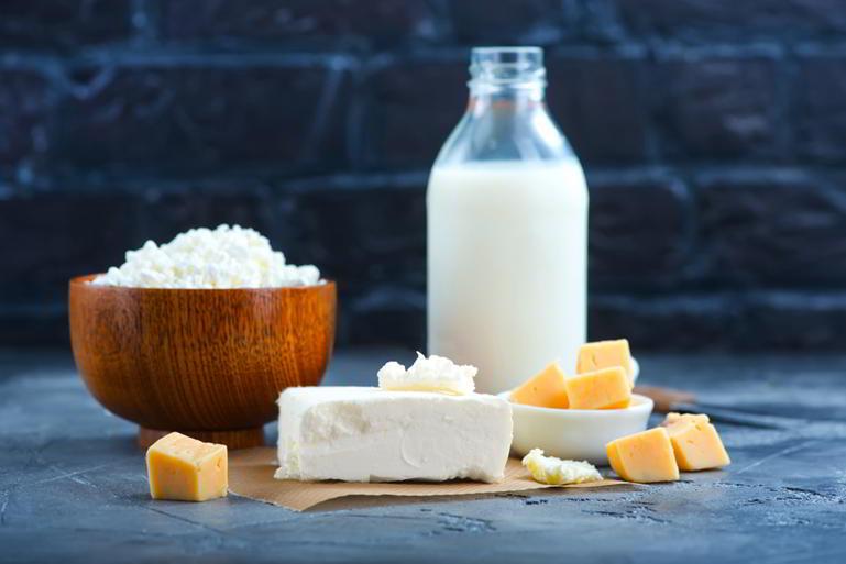 2 a 3 raciones de lácteos al día