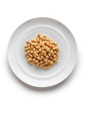 Legumbres 5-10 cucharadas soperas en cocido. 30-60 gramos en crudo