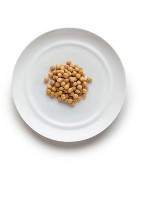 3-6 años: 5-8 cucharadas soperas en cocido. 30-50 gramos en crudo